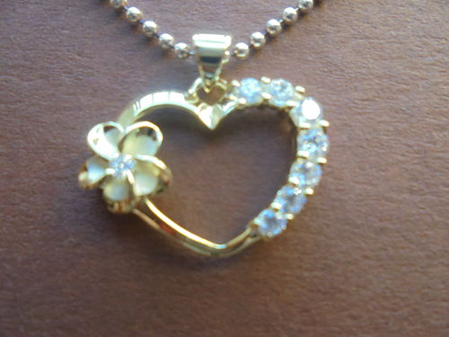 Heart Pendant with Frangipani yellowgold plated